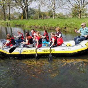 Schul – Fluss-Geocaching   – hin im Boot / zurück Geocaching