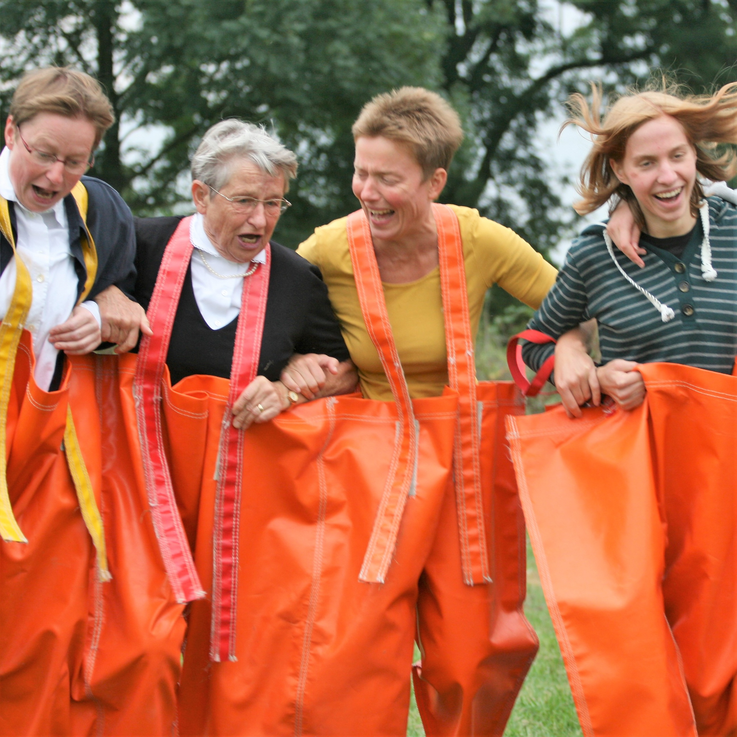Teamspiele – Gruppenwettkämpfe für jung und alt